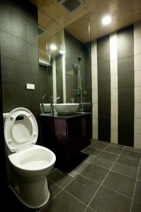 黑色简约风格卫生间墙砖美图