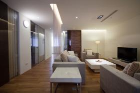 米色简约风格客厅珠帘隔断设计
