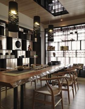 古色古香褐色中式餐厅装修图