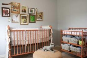 橙色简约风格儿童房婴儿床装饰图片
