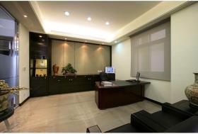 现代风格褐色家庭办公装潢设计