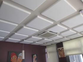 白色简约风格方块吊顶装饰案例