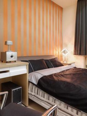 橙色简约风格卧室壁纸装饰设计图片