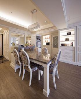 白色简欧风格餐厅美图欣赏