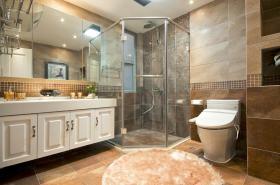 现代风格白色卫生间浴室柜装潢案例