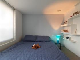 灰色现代风格男生卧室赏析