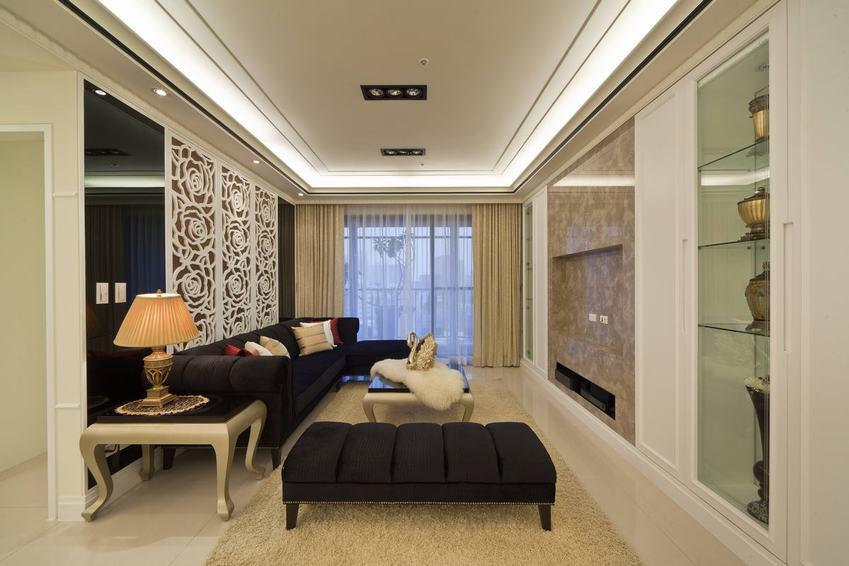 黑色欧式轻奢客厅效果图欣赏