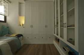 美式风格白色儿童房装修设计