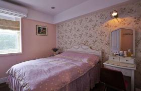 甜美粉色美式卧室装修设计