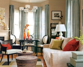 米色美式风格客厅窗帘装饰案例