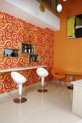 现代风格热情橙色吧台装饰图