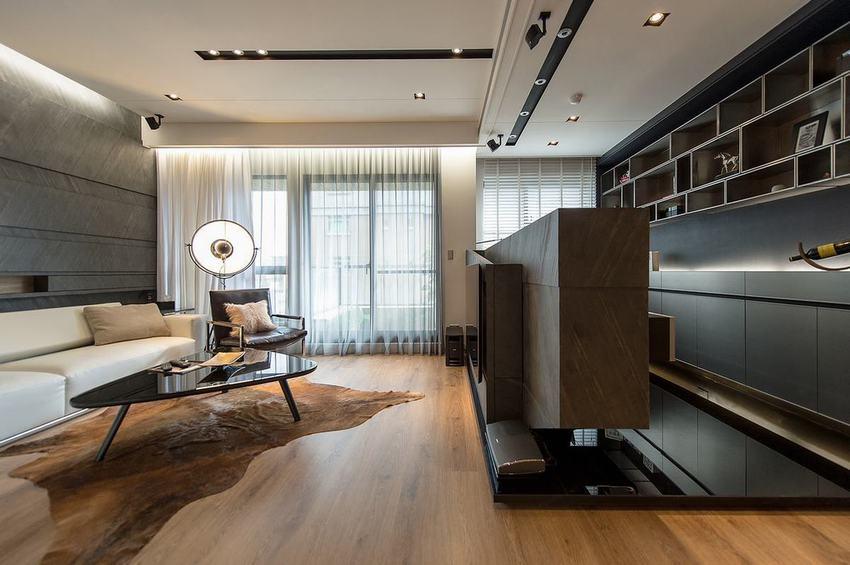 黑色现代风格客厅电视矮隔断墙美图