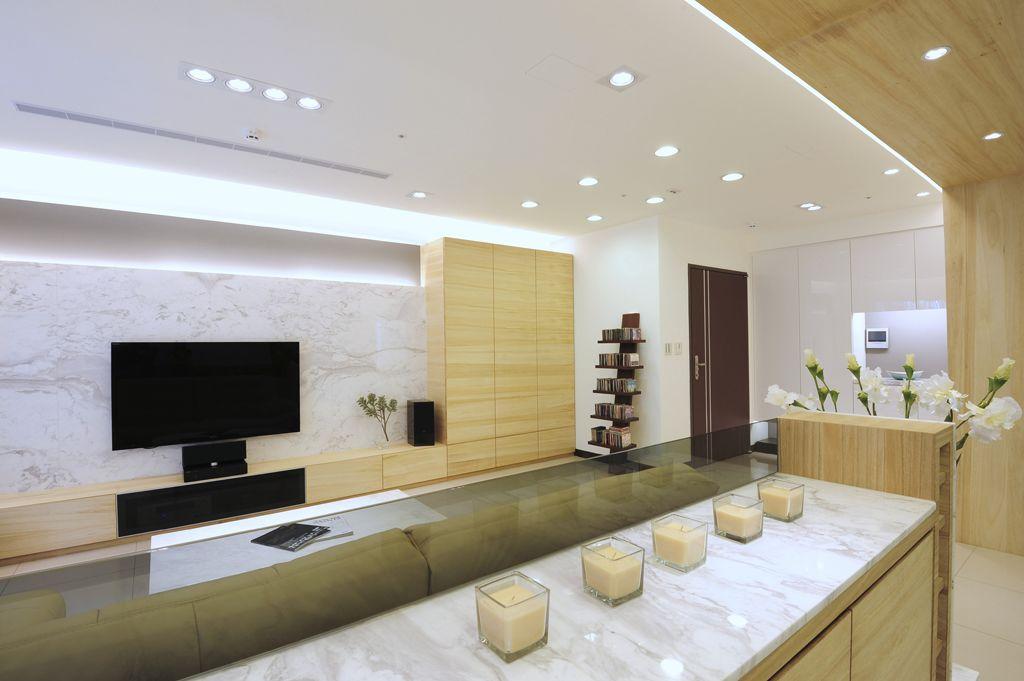 米色墙客厅