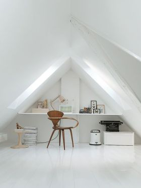 白色现代风格极简阁楼装修图片