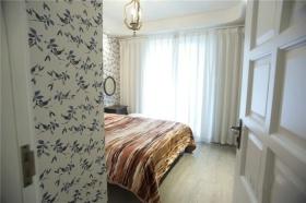 白色欧式田园风格卧室壁纸装修图片