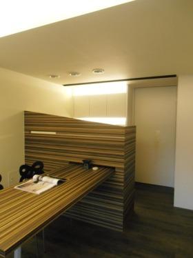 绿色现代风格小户型餐厅隔断设计