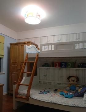 白色简约风格儿童房图片
