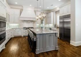 精致淡雅轻奢简欧风格厨房效果图设计