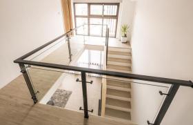 2016自然米色现代风格楼梯设计