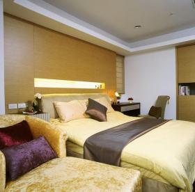 美式黄色卧室装修效果图