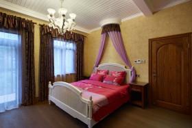 美式温馨黄色卧室窗帘装修图