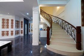 白色现代大气旋转楼梯设计