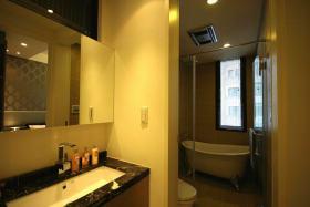 现代风格黄色卫生间图片欣赏