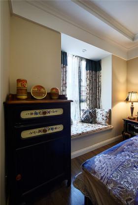 褐色东南亚风格卧室飘窗设计装潢