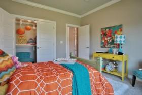 橙色简约风格活力儿童房装饰案例