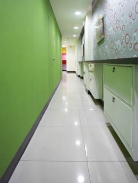 混搭个性时尚绿色风格过道装修设计