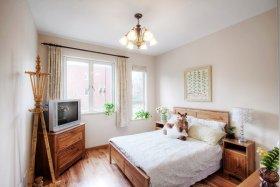 米色休闲宜家卧室设计图片