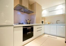 简约白色厨房橱柜装修效果图片