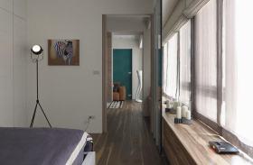 美式风格原木色飘窗设计案例