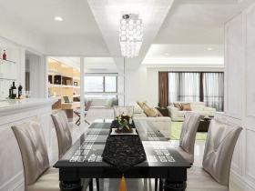 白色简欧客厅吊顶装饰美图