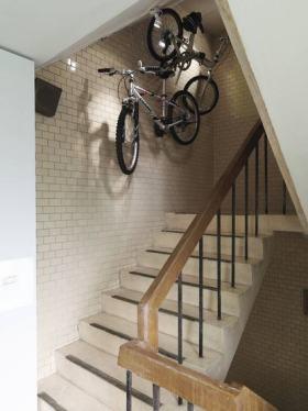 白色简约风格楼梯赏析