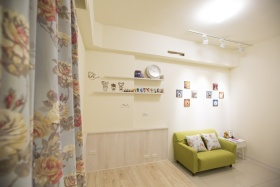 浪漫优雅现代风格米色照片墙装修案例