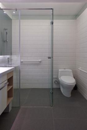 复古雅致白色美式卫生间装潢装修布置
