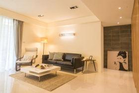 现代风格温馨黄色客厅设计装潢