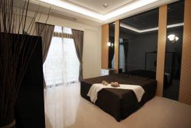黑色大气现代风格卧室效果图
