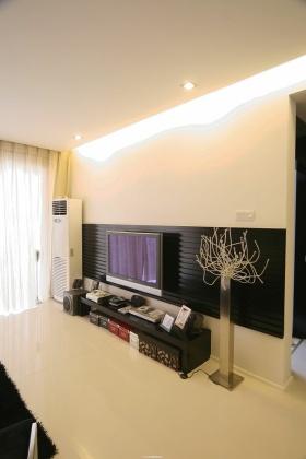黑色现代风格电视背景墙装修效果图