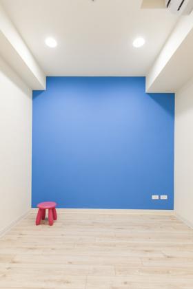 混搭风格蓝色背景墙设计图片
