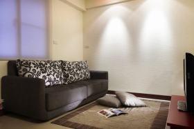 混搭客厅黑色沙发设计图片