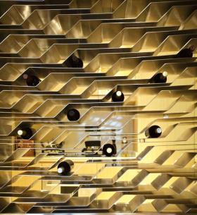 灰色现代风格酒柜隔断设计欣赏