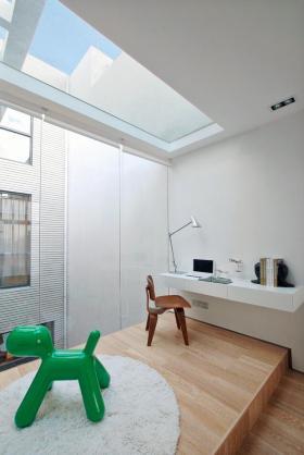 清新自然简约纯粹白色阁楼装潢装修