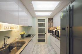 现代简约米色厨房设计