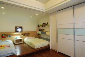 白色简约风格儿童房衣柜设计案例