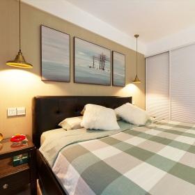 黄色新中式风格卧室背景墙装饰画欣赏