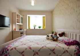 米色休闲简约风格卧室装修布置