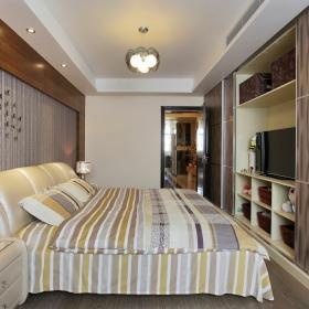 米色现代风格小户型卧室装饰案例