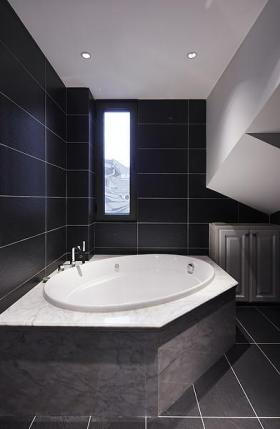 清爽雅致现代风格灰色卫生间装修效果图片